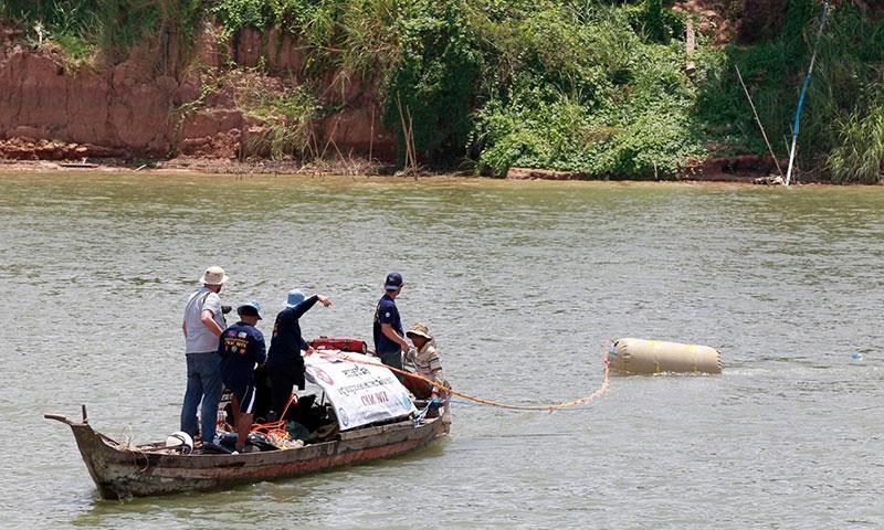 В Камбодже дайверы начали очистку водоемов от неразорвавшихся снарядов